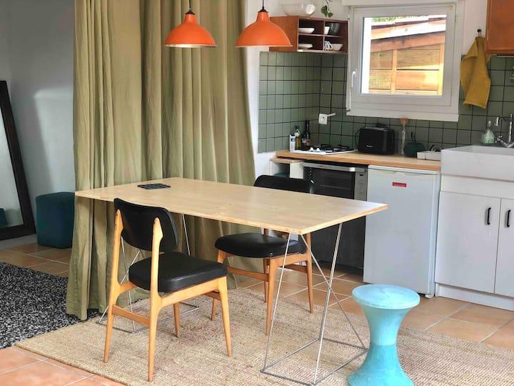 Studio Cosy avec Terrasse à 7min des Plages