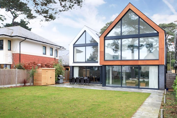 The Spyglass (Canford Cliffs): Luxurious 5Bed