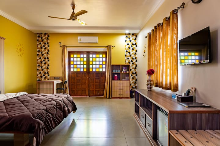 JR Suites in Siolim, North Goa with Breakfast