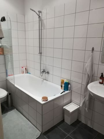Private room in beautiful and well located flat