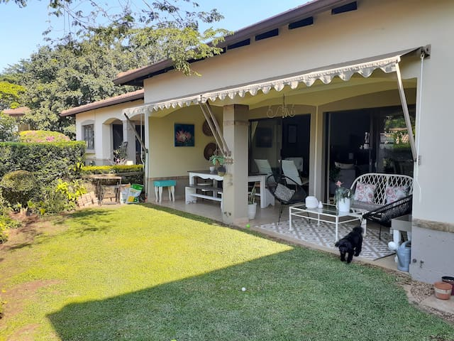 Cosy home away from home on stunning Golf Estate!