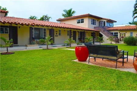 Villa #1- Beautiful studio with 2 Queen Beds - Fort Lauderdale - Villa
