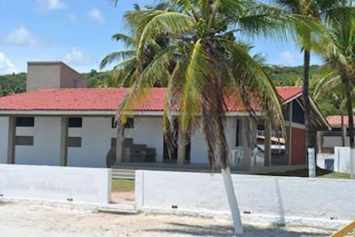 CASA INTEIRA - Beira Mar Ilha Itamaracá - 11 Camas