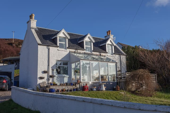 Entire House   Stunning Sea/Mountains  Kyle - Kyle of Lochalsh - Haus