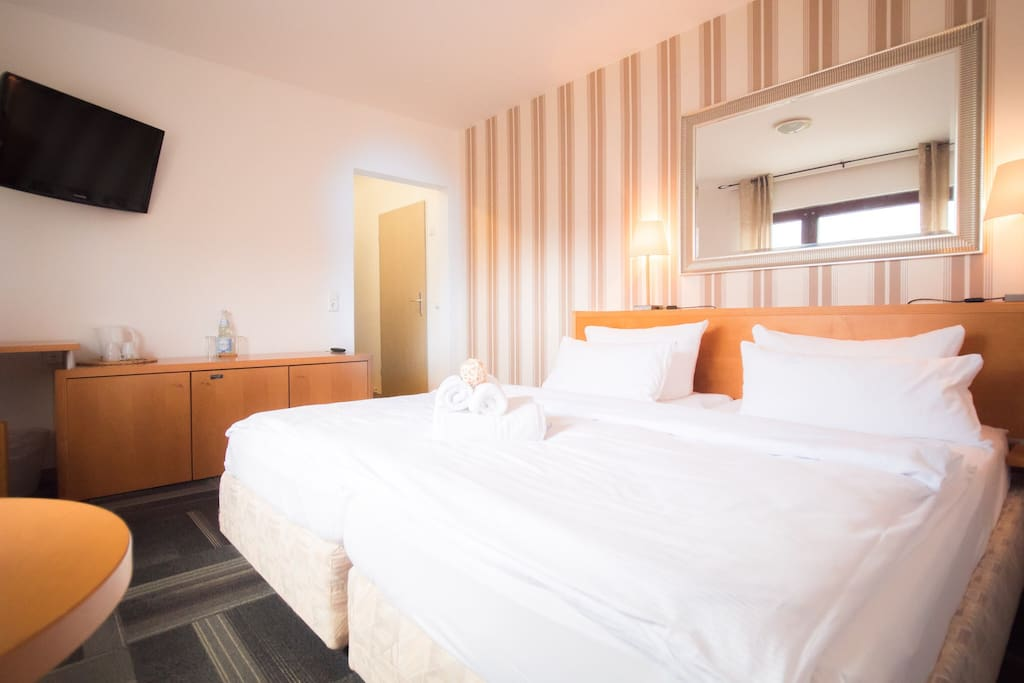 Hotelzimmer am meer f r bis zu 4 pers 2 bedrooms bed for Hotelzimmer teilen