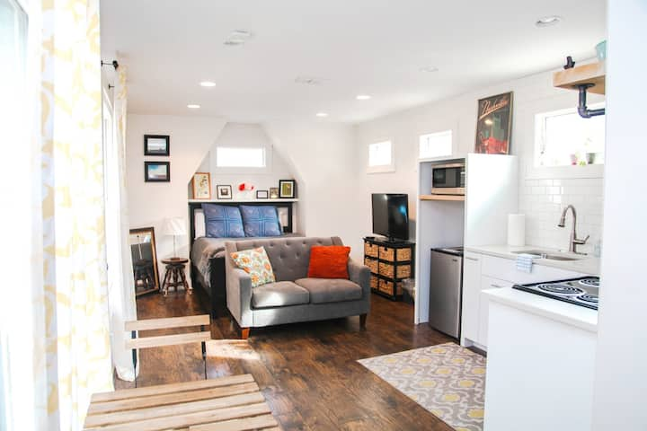 Music City Studio Guest House- Great Location!