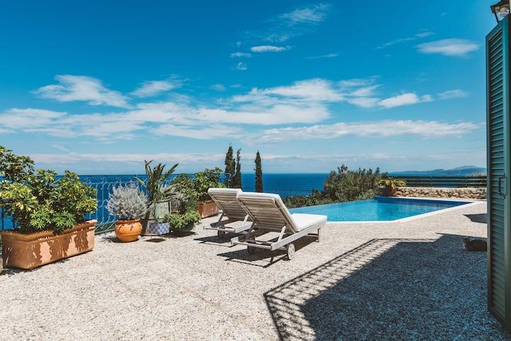 Alico Villa-Endless Seaside Poolside Paradise