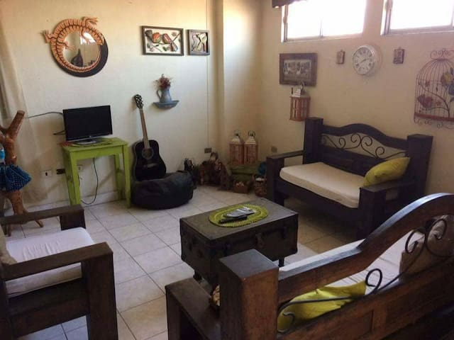 Confortable y grande habitacion en el centro Xela