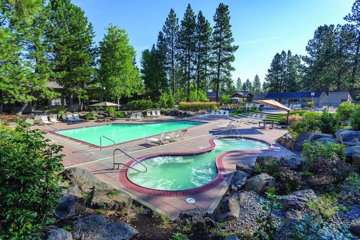 Newly Remodeled Mount Bachelor Condo