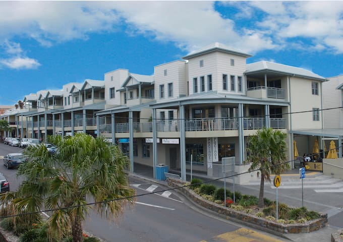 Shellharbour Beach Apartment - Penthouse