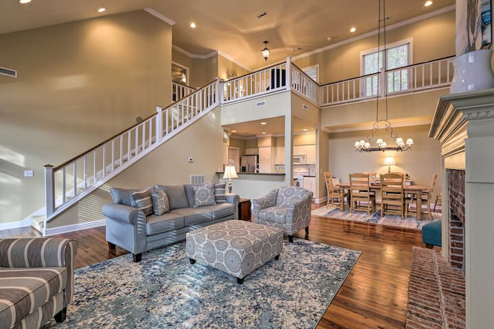 NEW! Lake Martin Abode w/ Private Dock & Fire Pit!