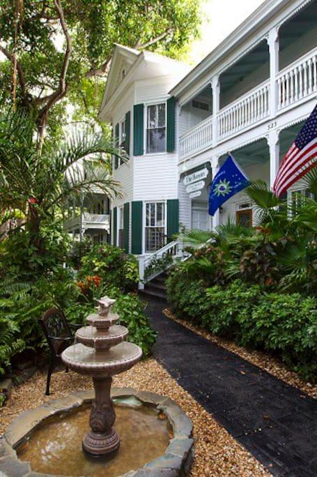 1br condo banyan tree keywest 701 resorts for rent in. Black Bedroom Furniture Sets. Home Design Ideas