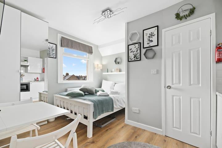 CORONA FREE - Stunning Studio Flat in Kensal Green