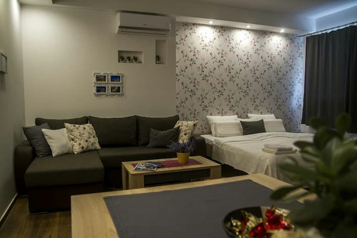 BRAND NEW stylish apartment in the heart of town
