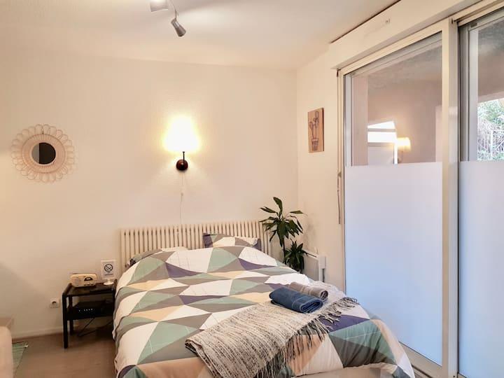 ** Bel appartement COSY centre ville avec terrasse