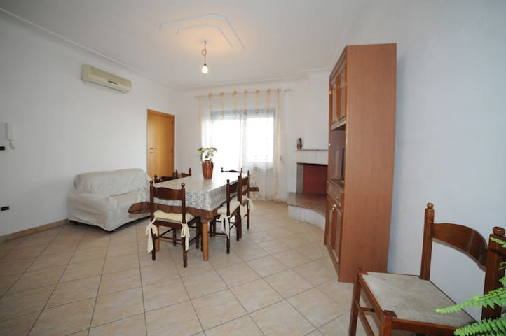 NEW INDIPENDENT APARTMENT IN THE CENTRE - Carovigno - Appartement