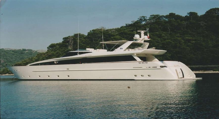 SEA WISH MOTOR YACHT 36 METRES