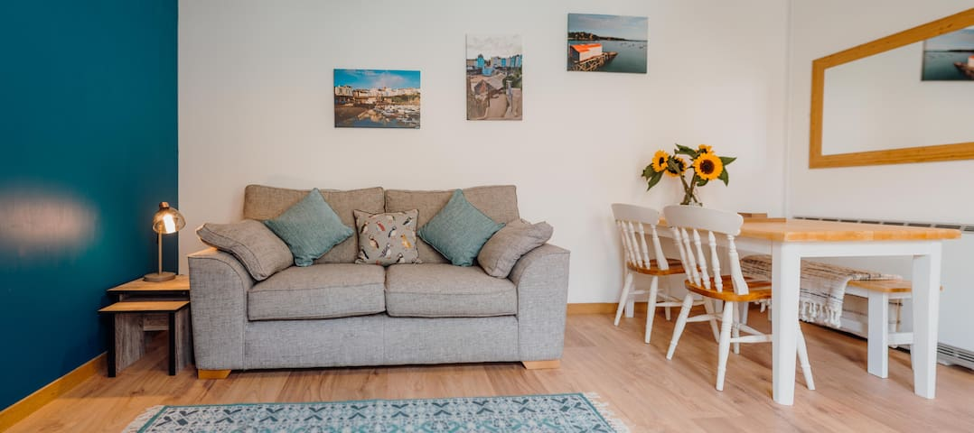 Tenby flat in a great, central location!