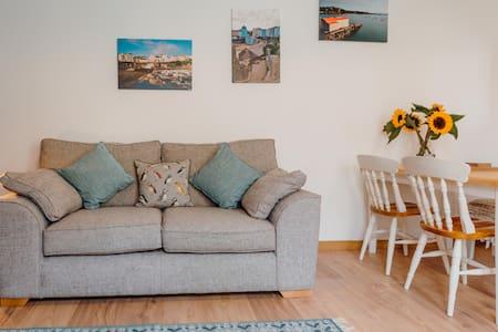 A newly refurbished flat in a brilliant location