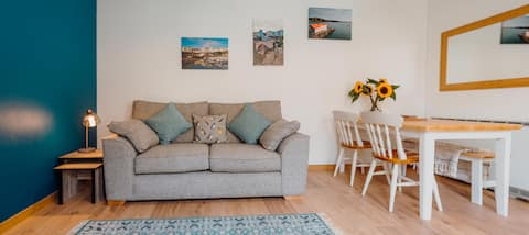 Tenby flat - great location!