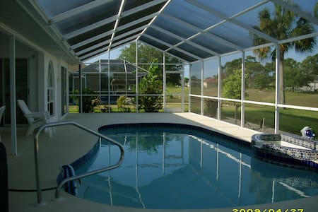 Lovely Pool Home close to Beaches and Golf - Rotonda West
