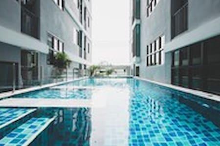 Condo Near BTS Barering,Free wifi - Tambon Sam Rong Klang