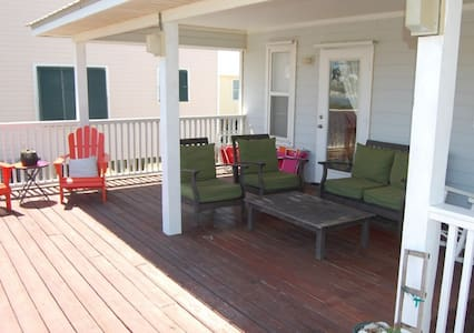 Cute and Comfortable! Pet Friendly - Gulf Shores - 独立屋