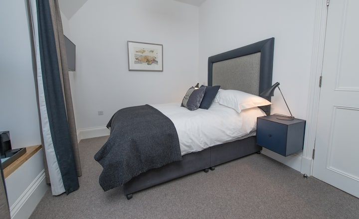 Small Double Room in Isle of Raasay Distillery