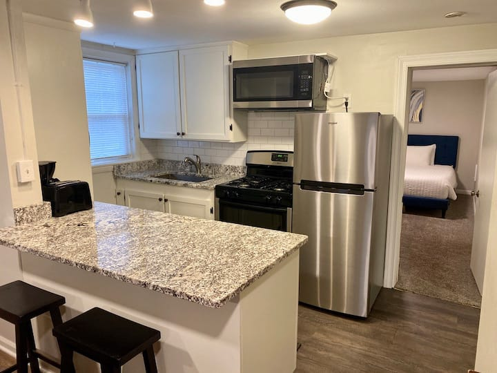 ♥ Pet + Kid Friendly | Humboldt Park | Walkable ♥