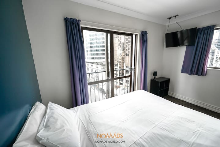 Private King Room - Prime CBD Location