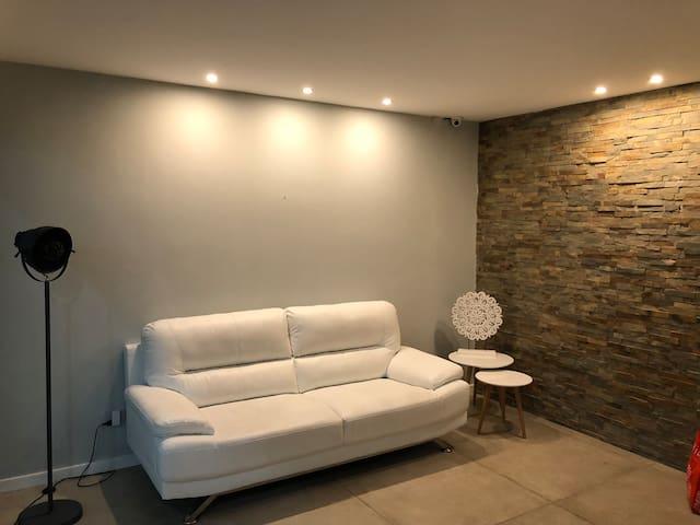 Cómodo apartamento y muy bien ubicado