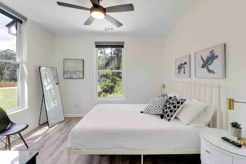 Savvy Blue: No Cleaning Fees; Free Kayaks; Private