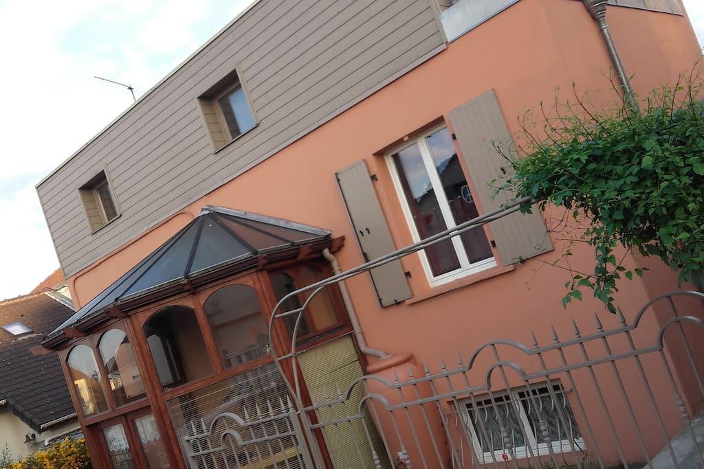 Chambres dans une maison atypique proche paris maisons for Vente maison atypique ile de france