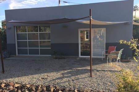 Unique Central Phoenix Modern Guest House - Phoenix