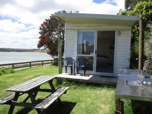 Cabin on the Kaipara Harbour. - Maungaturoto - Kulübe