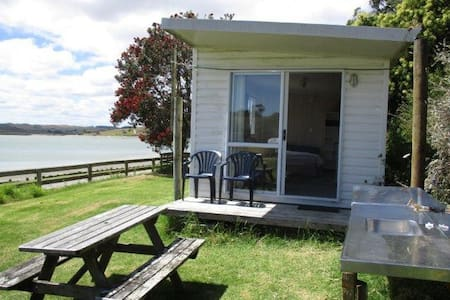 Cabin on the Kaipara Harbour. - Maungaturoto - Zomerhuis/Cottage