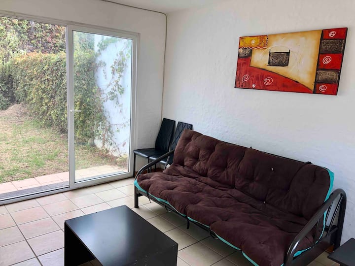 MLM Cerezos, Bosques Tres Marias, Casa completa.