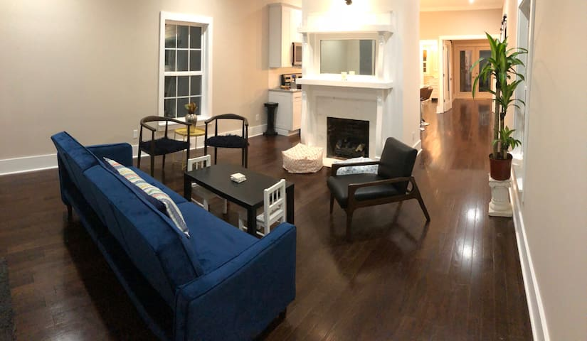 Marietta Square Brand New & Cozy Cottage