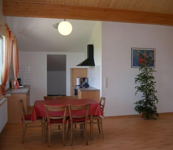 Weingut Ringwald, (Herbolzheim), Ferienwohnung 2, 120qm, 1.OG. 2 Schlafräume, max. 6 Personen
