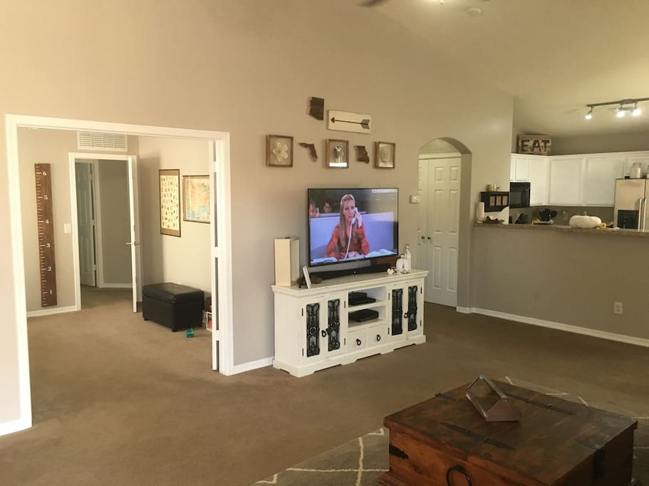 55in HDTV w/ Netflix, Hulu, and Prime Video.