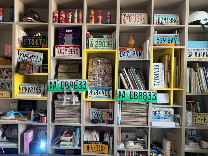 長安天街對面的LOFT 小型圖書館和畫廊的綜合