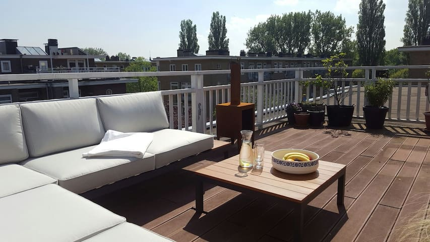 very large sunny roof terrace, ideal in summer.