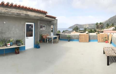 Vistas al mar// Surf House // Tarrafal