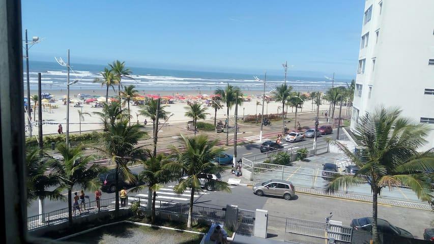 Praia Grande à beira-mar Ocian Praia Clube