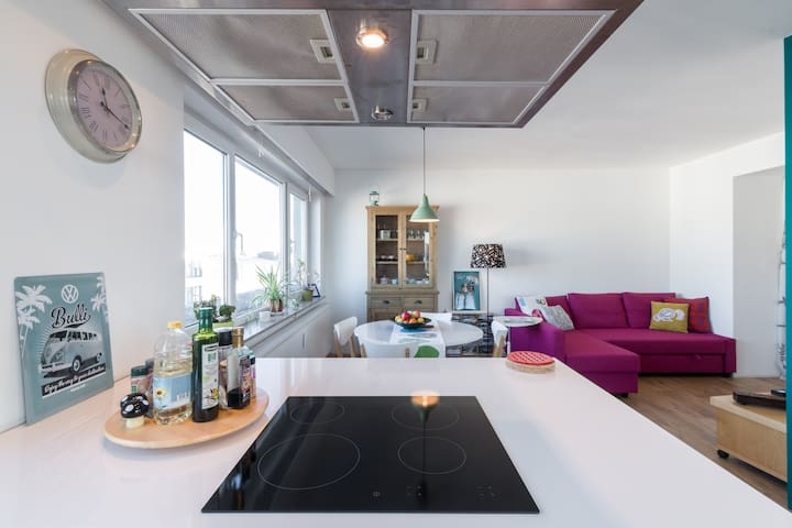 Bright 1 bedroom penthouse - Berchem-Sainte-Agathe
