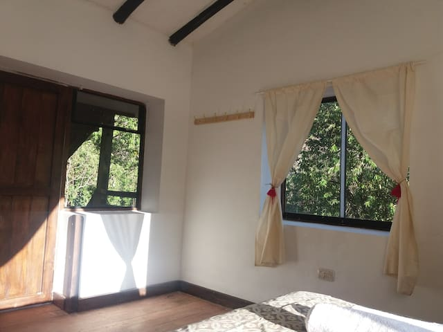 Quiet Room in Sacred Valley - access to the River