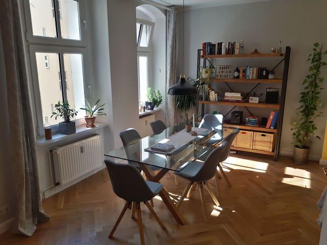 Cozy, central apartment in Friedrichshain