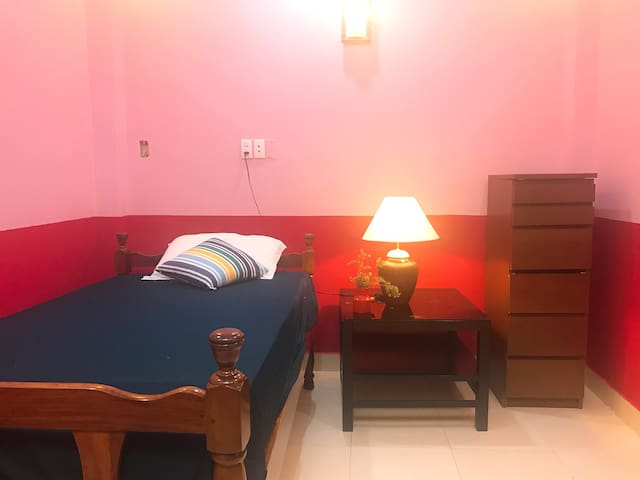 Good clean nice room with center location. - Ho-Chi-Minh-Stadt - Haus