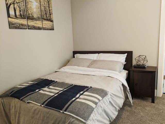 Starting Special! Midtown Master Suite ~Brand New~