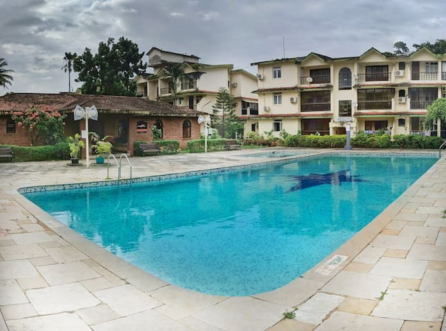 A/C Apartment Wit Shared Pool In Calangute